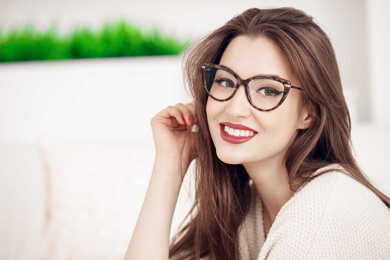 maquillarte bien con gafas